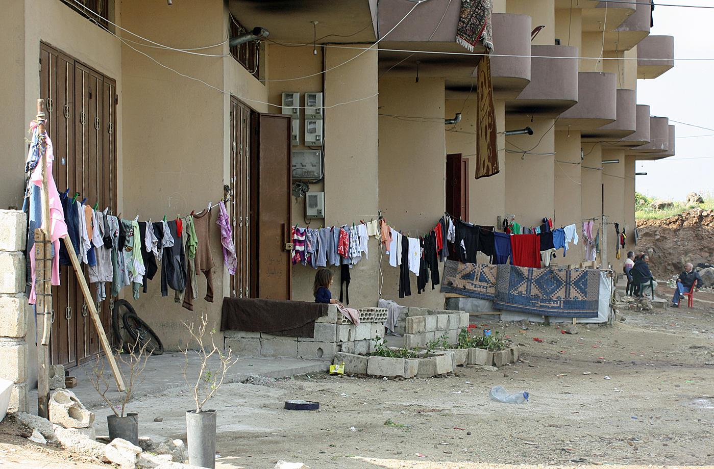 Garaże zajęte przez syryjskich uchodźców na przedmieściach Bire/fot. Marcin Ogdowski