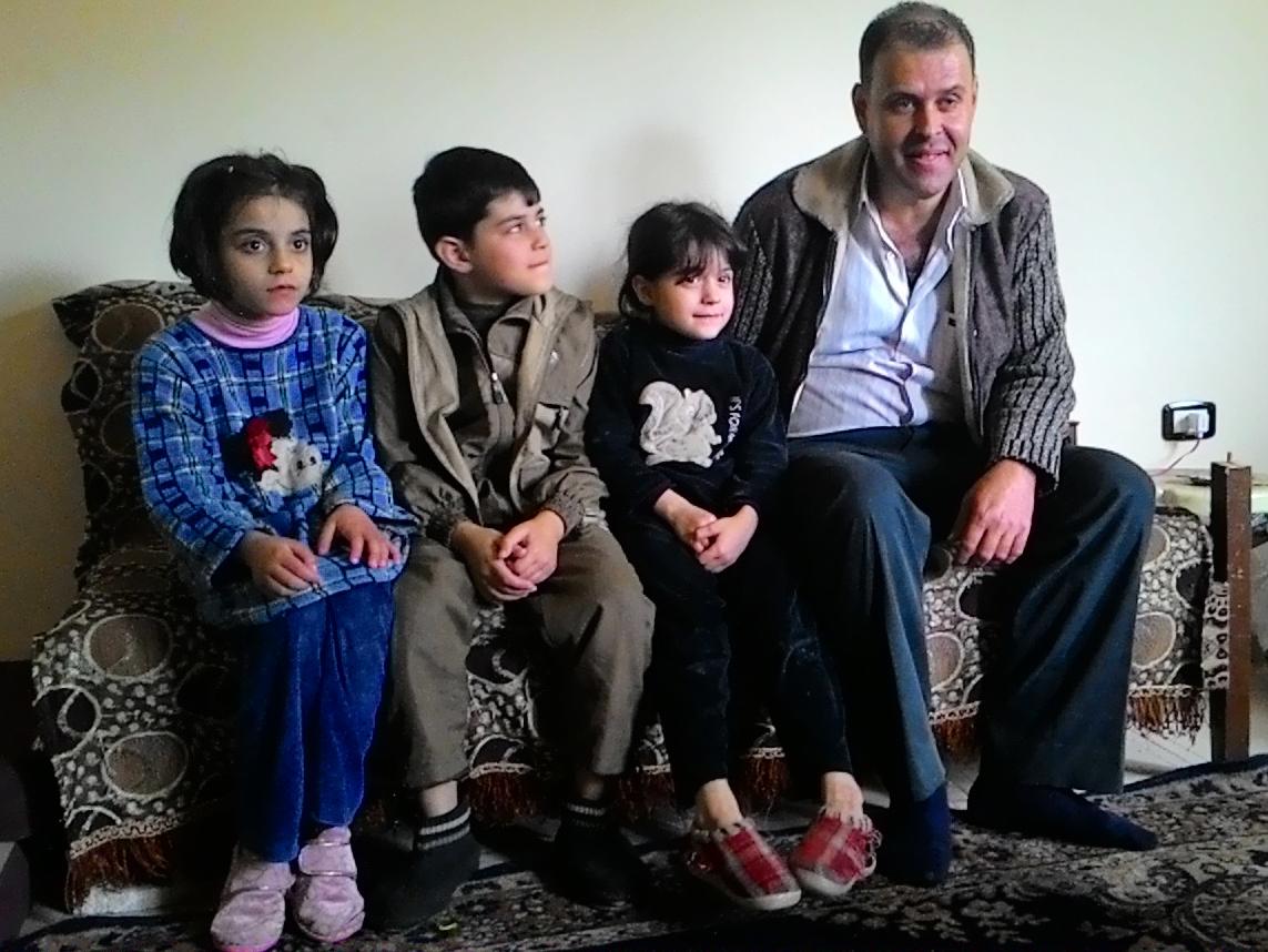 Abdel z dziećmi/fot. Marcin Ogdowski
