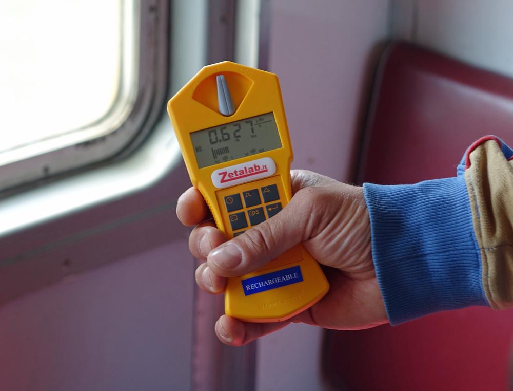 Odczyt dezymetryczny w pociągu jadącym do Czarnobyla.