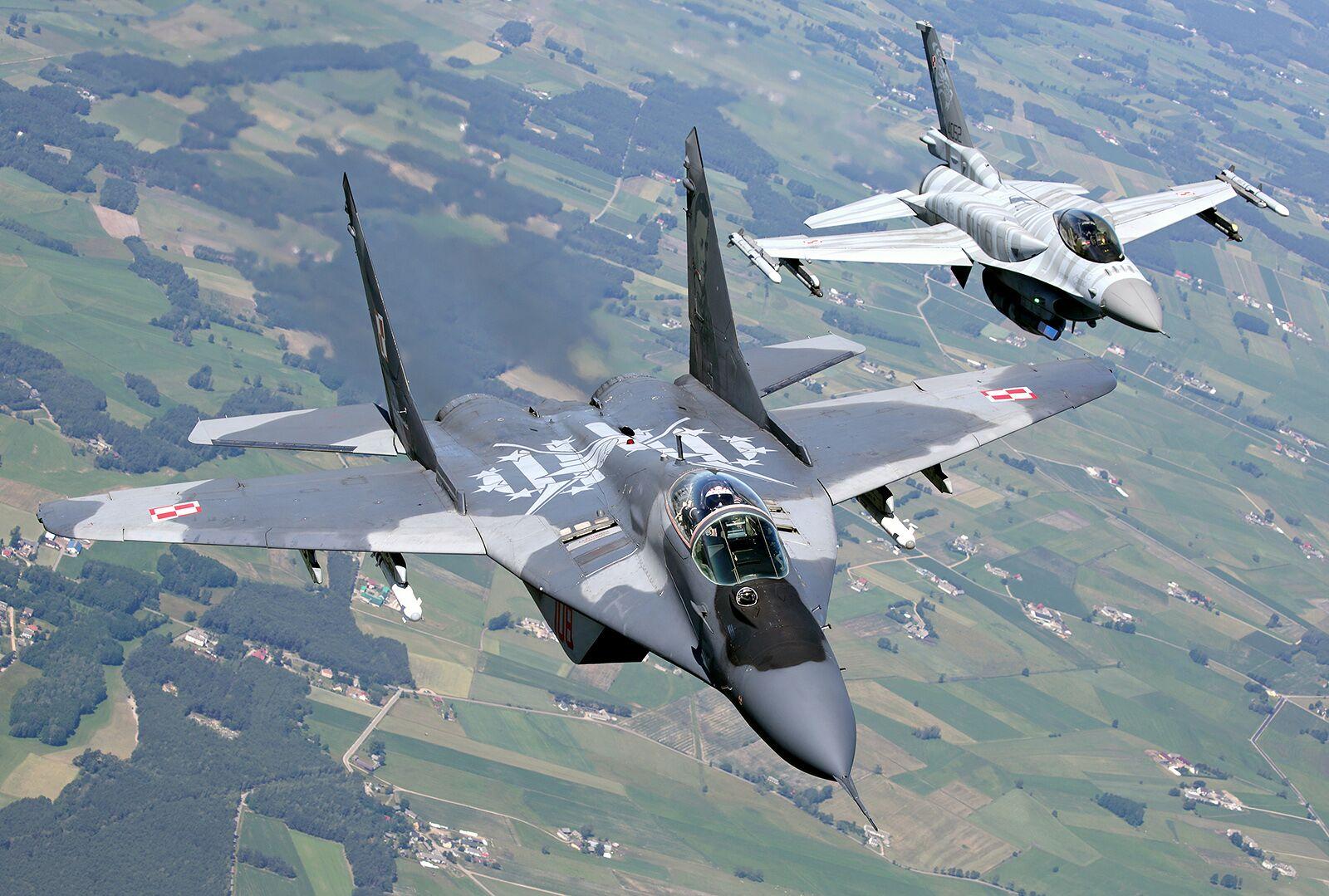 MiG 29 i F-16/fot. Bartek Bera