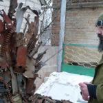 Denis Busztec przy instalacji własnego autorstwa/fot. Marcin Ogdowski