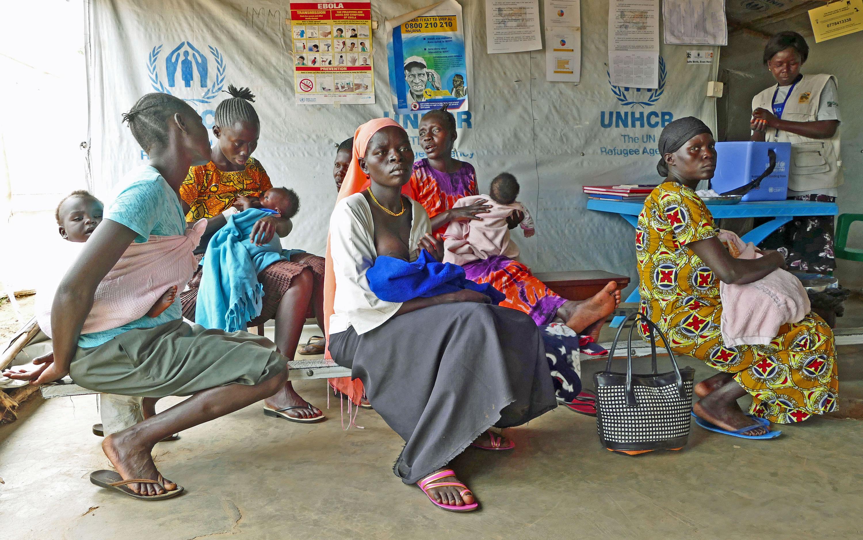 Sudanki z dziećmi w centrum szczepień w Koro/fot. Marcin Ogdowski